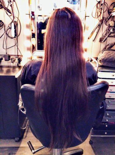 腰までの髪
