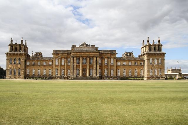 イギリス 上流階級 アッパークラス 邸宅