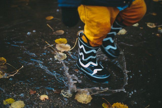 雨 レイン 子供 イギリス 旅 デボン Rain
