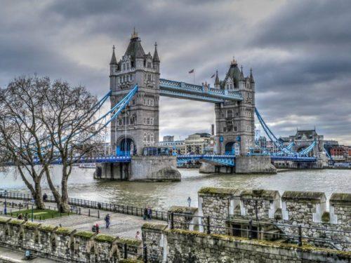ロンドン塔 ロンドンブリッジ 観光 テムズ川